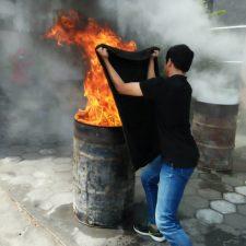 Pelatihan Dasar Penanggulangan Kebakaran